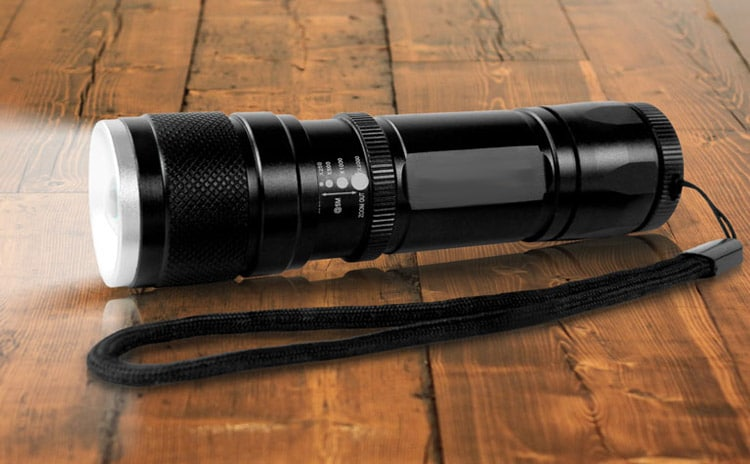 Small Tactical Flashlight Reviews
